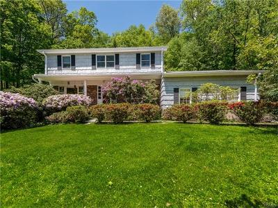 Westchester County Single Family Home For Sale: 3 Londonderry Lane