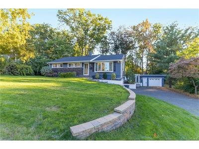 Rockland County Single Family Home For Sale: 17 Fernwood Drive