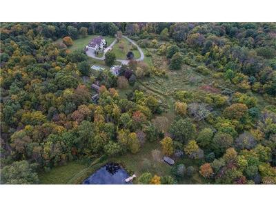 Connecticut Single Family Home For Sale: 7 Quaker Ridge Road