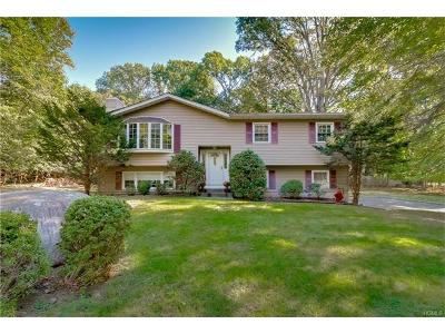Rockland County Single Family Home For Sale: 12 North Amundsen Lane