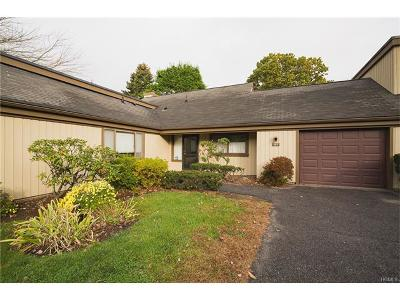 Somers Condo/Townhouse For Sale: 105 Heritage Hills #B
