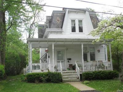 Multi Family 2-4 For Sale: 11 Bell Lane