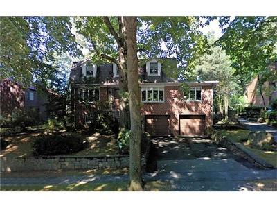 Bronx NY Single Family Home For Sale: $1,850,000