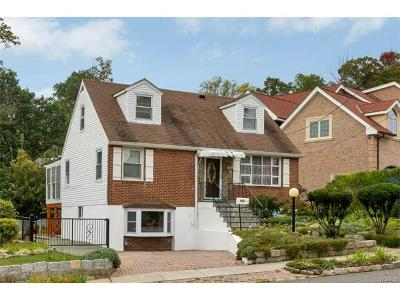 Yonkers Single Family Home For Sale: 46 Cross Hill Avenue