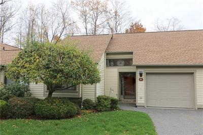 Somers Condo/Townhouse For Sale: 656 Heritage Hills #B