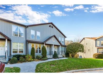 Peekskill Condo/Townhouse For Sale: 45 Hemlock Circle