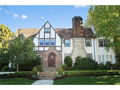 Hartsdale Single Family Home For Sale: 11 Club Way