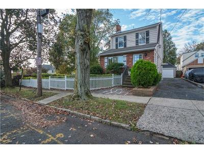 Yonkers Single Family Home For Sale: 36 Clayton Place
