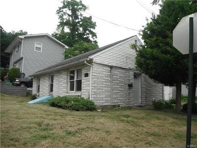 White Plains Single Family Home For Sale: 129 Manhattan Avenue