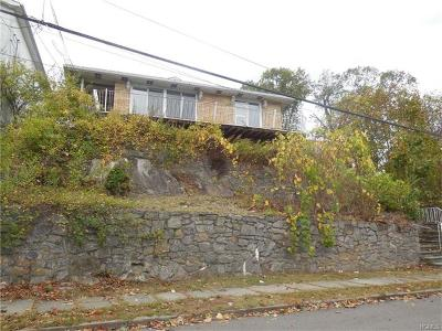 Yonkers Single Family Home For Sale: 41 Hillcrest Avenue