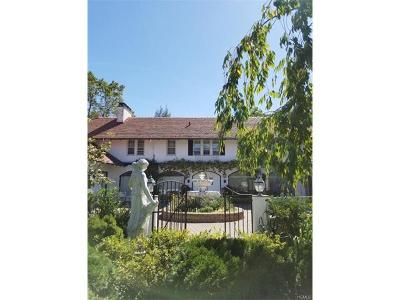 White Plains Single Family Home For Sale: 26 Ridgeway Circle