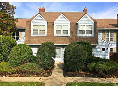 Warwick Condo/Townhouse For Sale: 54 Homestead Village Drive