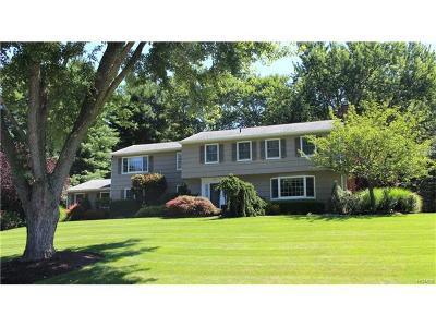 Rockland County Single Family Home For Sale: 92 Robinhood Lane
