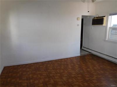 Bronx Single Family Home For Sale: 3267 Barkley Avenue #B
