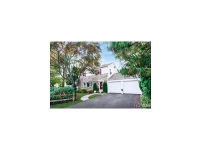 White Plains Single Family Home For Sale: 1 Blackthorn Lane
