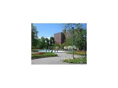 Bronx Condo/Townhouse For Sale: 1580 Metropolitan Avenue #6F