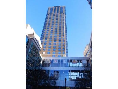 White Plains Condo/Townhouse For Sale: 10 City Place #18G