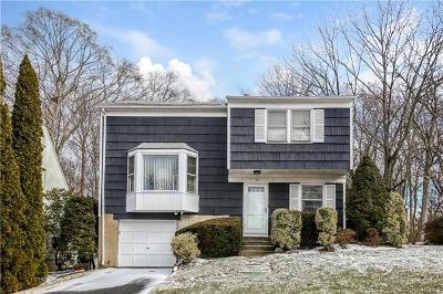White Plains Single Family Home For Sale: 16 Coralyn Avenue
