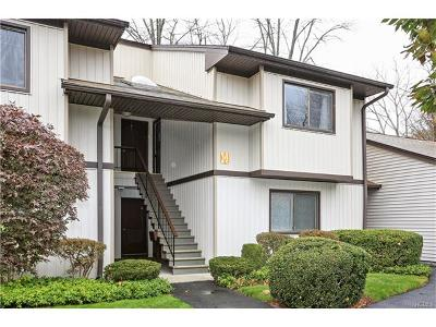 Yorktown Heights Condo/Townhouse For Sale: 111 Village Road #E