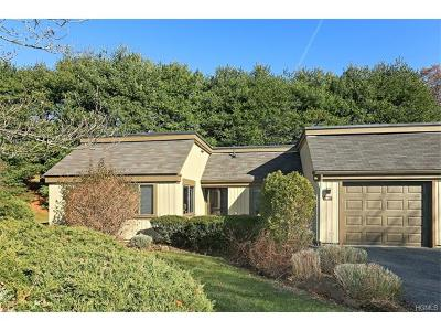 Somers Condo/Townhouse For Sale: 102 Heritage Hills #A