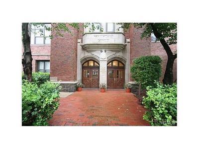 White Plains Condo/Townhouse For Sale: 55 McKinley #D19