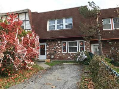 Middletown Single Family Home For Sale: 23 Greenway Terrace