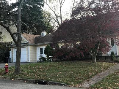 Yonkers Single Family Home For Sale: 162 Gailmore Drive