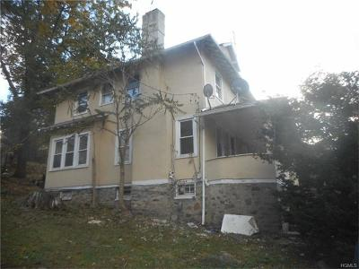 Yonkers Single Family Home For Sale: 646 Van Cortlandt Park Avenue