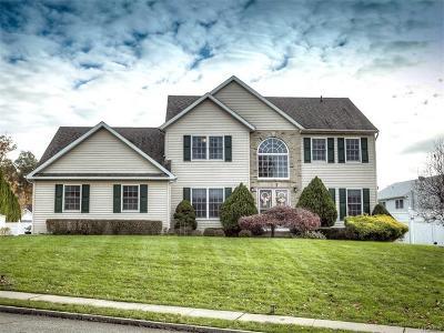 Single Family Home For Sale: 55 Judith Street