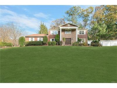 Single Family Home For Sale: 32 Newport Drive