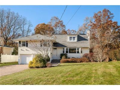White Plains Single Family Home For Sale: 165 Finmor Drive