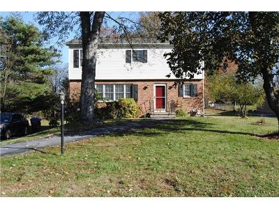 Goshen Single Family Home For Sale: 2 Fleetwood Drive