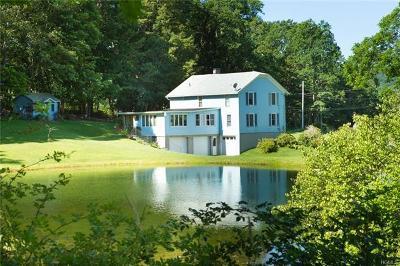 Lagrangeville Single Family Home For Sale: 2250 Clove Road