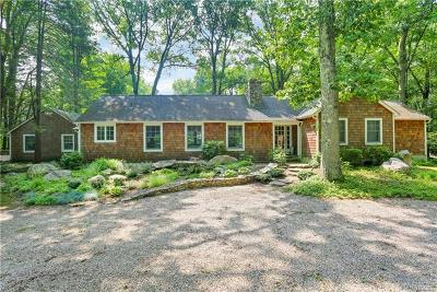 Westchester County Single Family Home For Sale: 107 Eastwoods Road