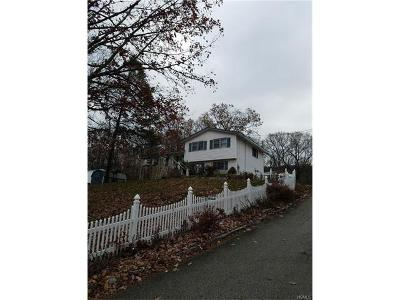 Monroe Single Family Home For Sale: 15 Rumsey Lane