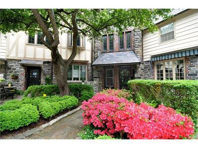 Bronxville Single Family Home For Sale: 8 Merestone Terrace
