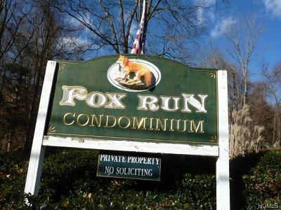 Carmel Condo/Townhouse For Sale: 304 Fox Run