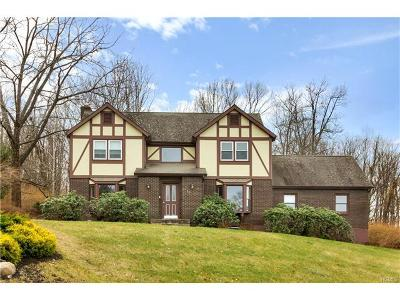 Monroe Single Family Home For Sale: 10 Holland Court