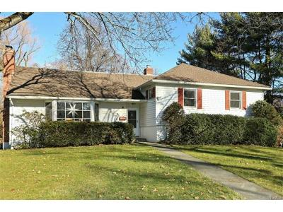 Scarsdale Single Family Home For Sale: 23 Stonehouse Road