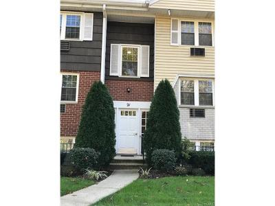 Westchester County Condo/Townhouse For Sale: 21 Lorraine Terrace #146