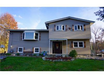 Monroe Single Family Home For Sale: 6 Lone Oak Circle