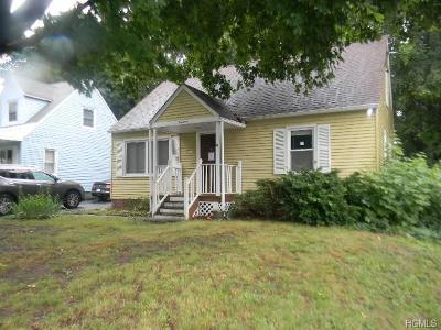 New Windsor Single Family Home For Sale: 14 Hickory Avenue
