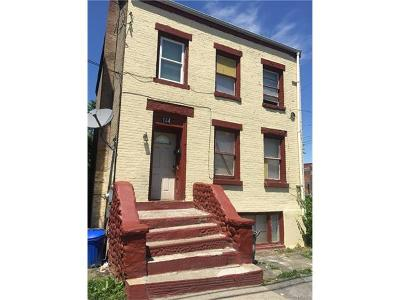 Newburgh Single Family Home For Sale: 144 Washington Street