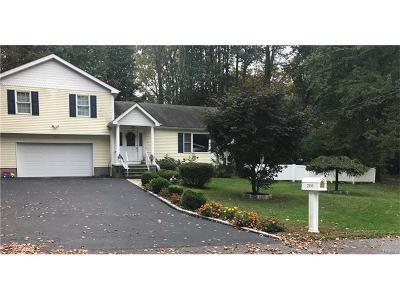 Westchester County Single Family Home For Sale: 2850 Hedwig Drive