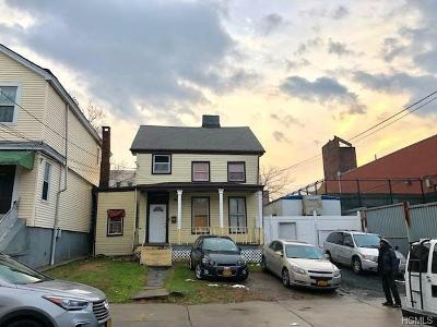 Bronx Single Family Home For Sale: 716 East 224th Street