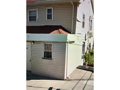 Bronx Single Family Home For Sale: 801 East 215th Street