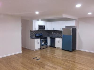 Bronx NY Single Family Home For Sale: $445,000