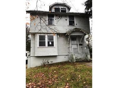 Middletown Single Family Home For Sale: 82 Houston Avenue