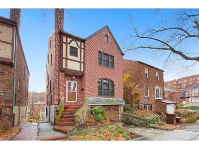 Bronx NY Single Family Home For Sale: $875,000