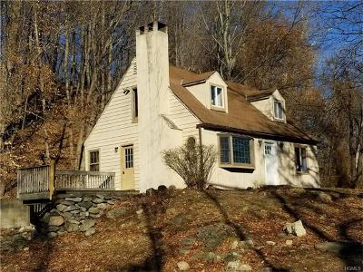 Single Family Home Contract: 8 Old Deer Park Road